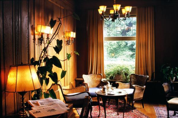 Hotel Pictures: Golfhotel Kaiserin Elisabeth, Feldafing