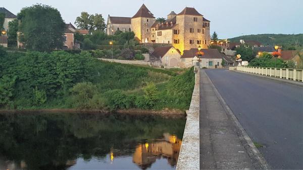 Hotel Pictures: La Terrasse - CHC, Meyronne