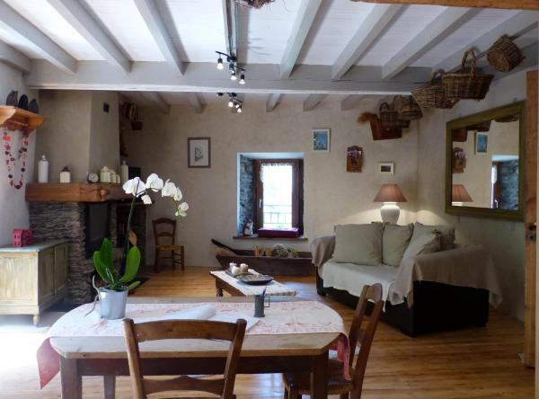 Hotel Pictures: Gite du Carbounet, Siguer