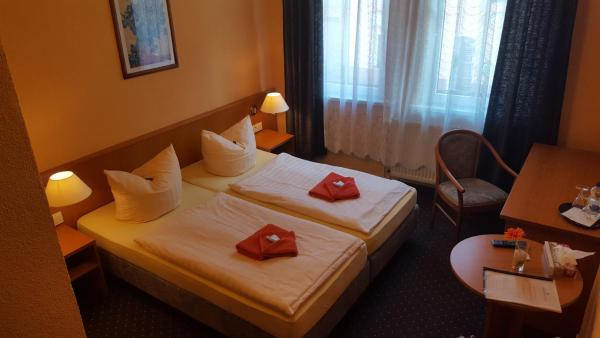 Hotel Pictures: Pension Thuringer Hof, Ziegenrück
