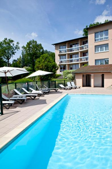 Hotel Pictures: Hôtel du Lac, Lacapelle-Viescamp