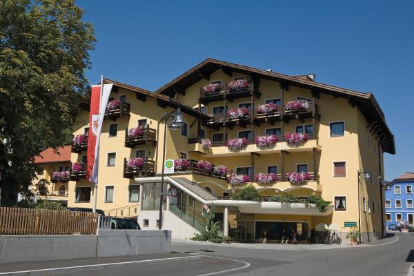 Foto Hotel: Hotel Zum Hirschen, Imst