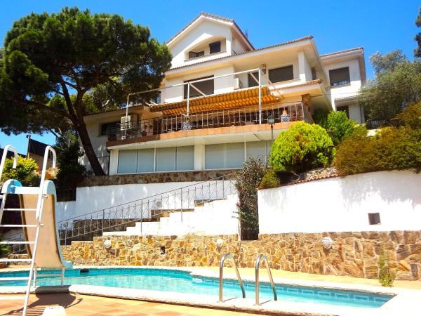 Hotel Pictures: Villa Maravilloso, San Fausto de Campcentellas