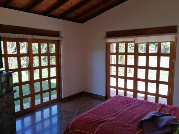 Hotel Pictures: Cabana Piedras Lisas, El Guavio