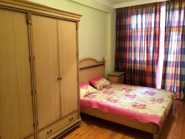 Fotografie hotelů: Apartment on Izzeta Khamidova, Baku