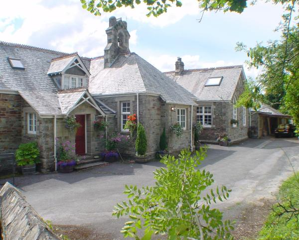 Hotel Pictures: The Old School House, Yelverton
