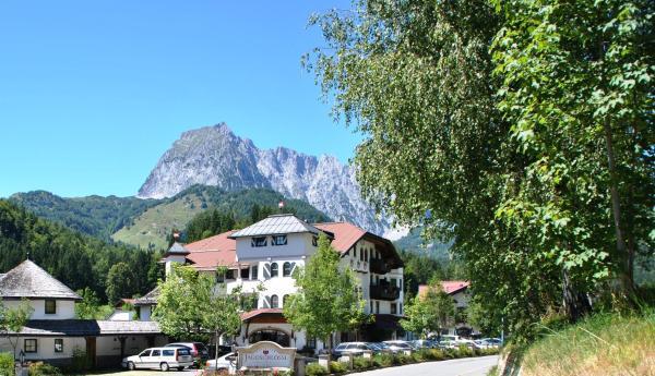 Foto Hotel: Gasteiger Jagdschlössl, Kirchdorf in Tirol
