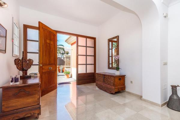 酒店图片: Guadalmina Luxury Villa near Beach, 埃斯特波纳