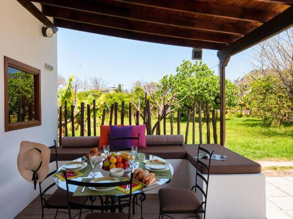Hotel Pictures: Finca La Bonita Arucas 27, Arucas
