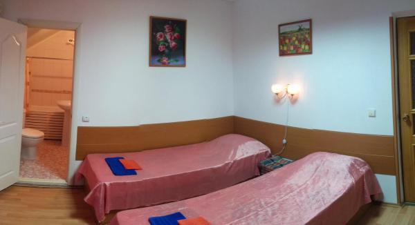 Hotel Pictures: Guest house Vremena Goda, Vityazevo