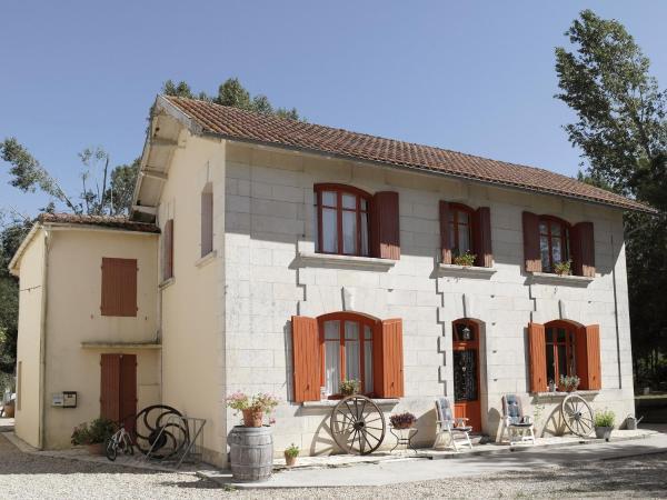 Hotel Pictures: Moulins de la Vergne, Pons
