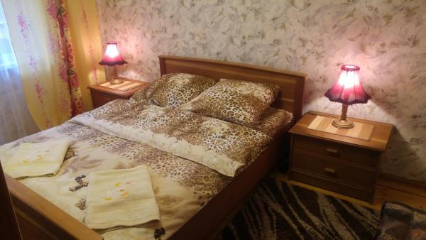 Hotel Pictures: MANGO Apartment on Parkovaya 9, Kobryn