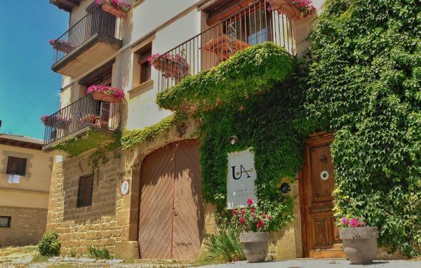 Hotel Pictures: Apartamentos Uncastillo, Uncastillo