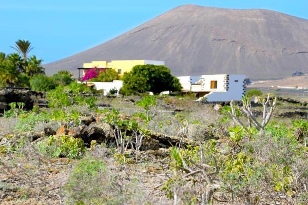 Hotel Pictures: Casa Tomarén, San Bartolomé