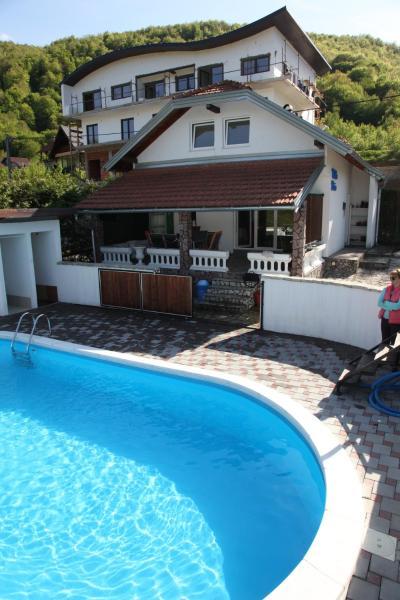 ホテル写真: Villa Enio, Lohovo