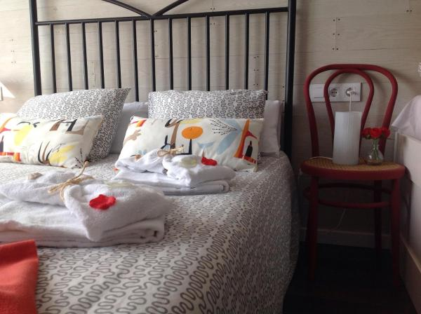 Hotel Pictures: Miralles Home B&B, Bellpuig