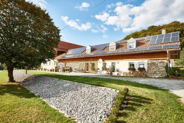 Hotelbilleder: Ferienhof Stetter, Schöllnach