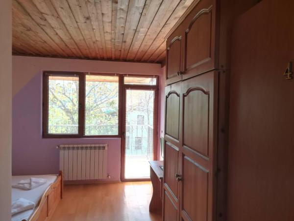 Hotel Pictures: Hotel Bavariya, Sinemorets