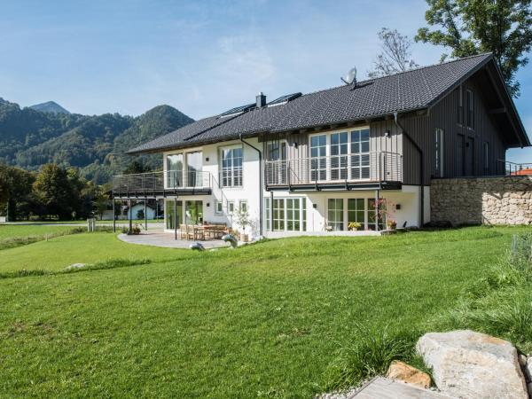 Hotelbilleder: Ferienwohnungen am Lochbach, Aschau im Chiemgau