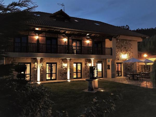 Hotel Pictures: Hospedería Santa Cruz, Socobio