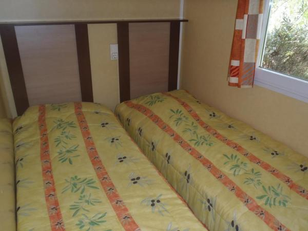 Hotel Pictures: Camping Saint Lazare, Aups