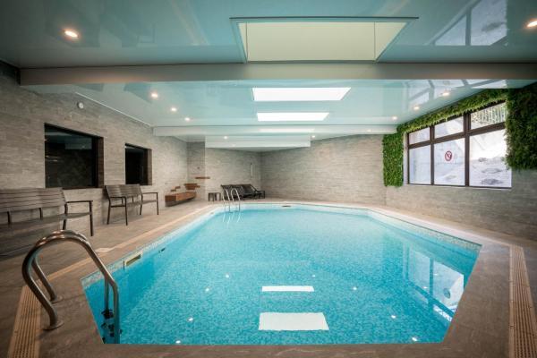 Hotel Pictures: Best Western Plus Hostellerie Du Vallon, Trouville-sur-Mer