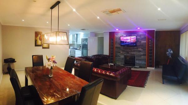 Hotellbilder: 5 Bedroom Modern Home, Rockingham