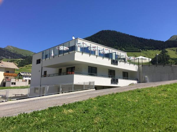 Hotel Pictures: Ibex Backpacker Hostel, Nauders