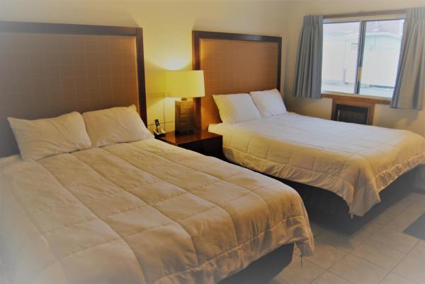 Hotel Pictures: Edgewater Inn, Sylvan Lake