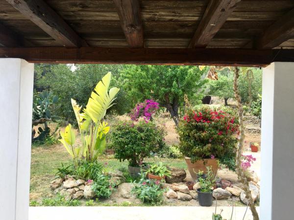 Hotel Pictures: Casa Tanit, Cala San Vicente