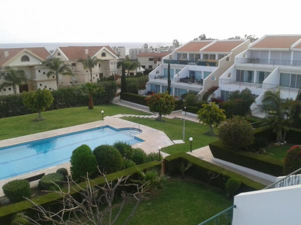 Hotel Pictures: Bayview Amathusia Apartment, Limassol