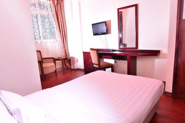 Hotel Pictures: Adams Hotel, Kitimē