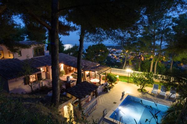 Hotel Pictures: Romantic Villa near Monaco, Roquebrune-Cap-Martin