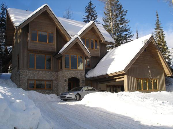 Hotel Pictures: Columbia Mountain Lodge, Golden