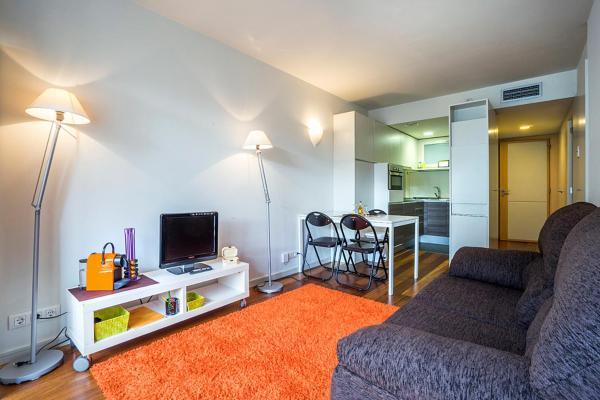 Hotel Pictures: STAYINGIRONA.Apartments, Girona