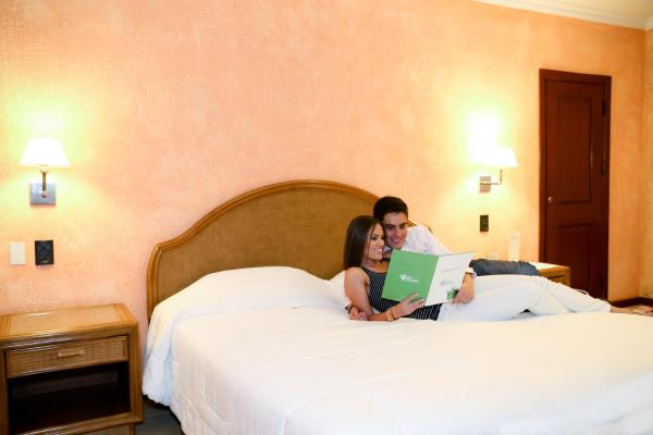 Hotel Pictures: Hotel Los Parrales, Tarija
