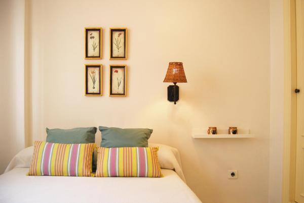 Hotel Pictures: El montecillo La cala del Moral, El Palo
