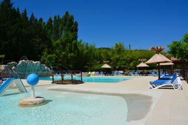 Hotel Pictures: Domaine De Gil, Ucel