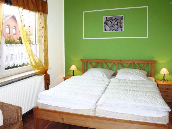 Hotel Pictures: Landhaus Küstenwind (300), Stollhammerdeich