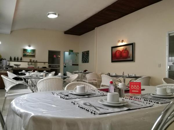 Hotel Pictures: BBB Rooms Centro Colinas do Tocantins TO, Colinas do Tocantins