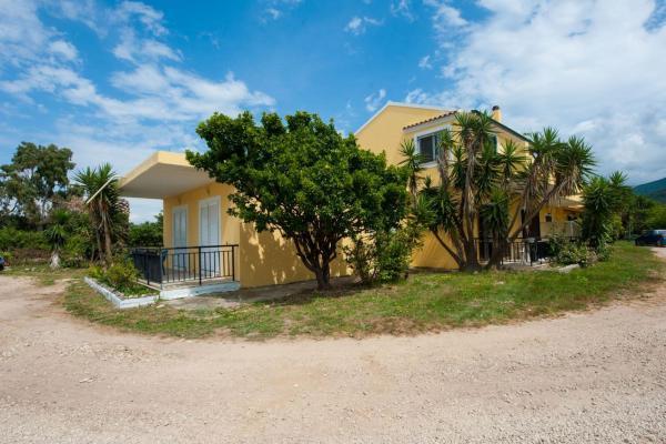 Hotel Pictures: Lazaris Beach House, Almiros Beach