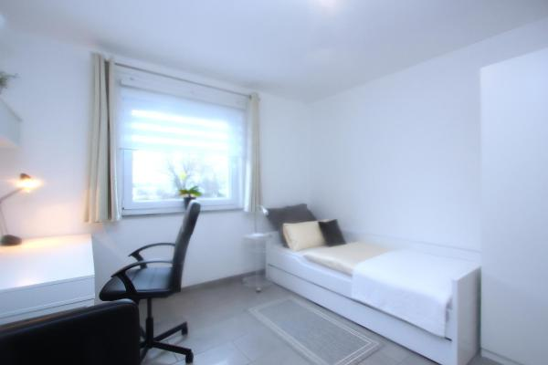 Hotel Pictures: Privatzimmer Schwert Seelze (6238), Seelze