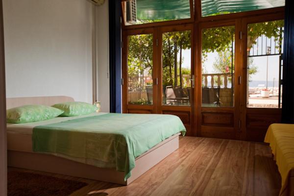 Fotos de l'hotel: Apartmani Denis Vela, Podgora