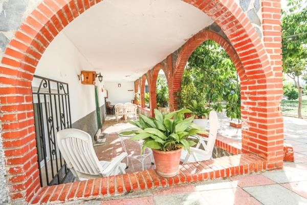 Hotel Pictures: La Casa de Lecrin, Acequias