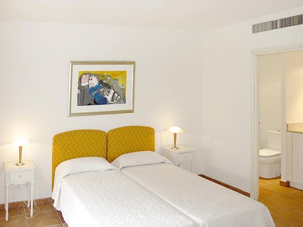Hotel Pictures: Domaines de St. Endreol (170), Le Mitan