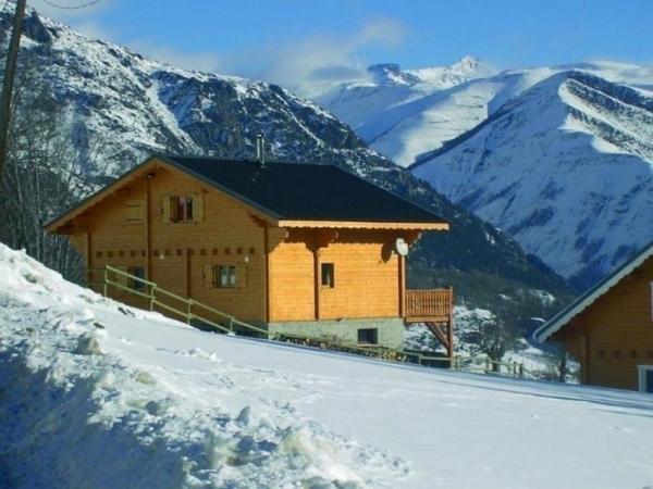 Hotel Pictures: House Chalet maradri, Auris