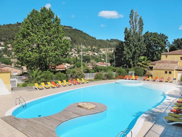 Hotel Pictures: Résidence Le Galoubet (111), Solliès-Toucas