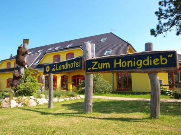 Hotel Pictures: Landhotel zum Honigdieb, Ribnitz-Damgarten