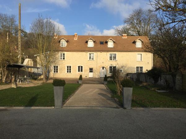 Hotel Pictures: La Villa Du Moulin de Champie - Versailles, Plaisir