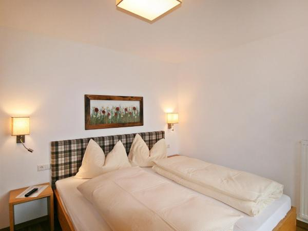Hotel Pictures: Holiday Home Happy, Eben im Pongau